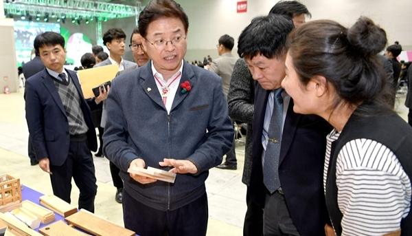 경북도 이철우 지사…경제적 부위정경(扶危定傾)이룬다.
